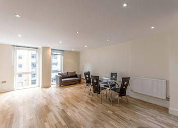 Indescon Square, Canary Wharf, London E14. 3 bed flat