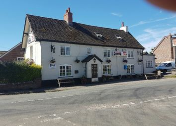 Thumbnail Pub/bar for sale in Wiltshire/Berkshire SN8, Wiltshire