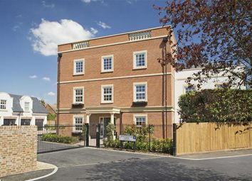 Thumbnail 3 bed flat to rent in Games Road, Hadley Wood, Hertfordshire