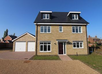 Thumbnail 5 bed detached house for sale in Field View, Wethersfield, Essex