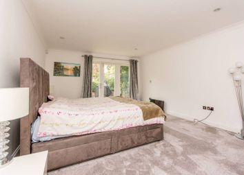 Thumbnail 3 bed flat to rent in Kingsgate Avenue, Finchley