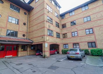 Thumbnail 1 bed flat for sale in Somerset Gardens, London