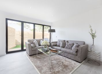 Thumbnail 2 bed flat for sale in Sydenham Road, Croydon, Greater London