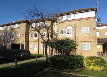 Thumbnail 2 bed flat to rent in The Drummonds, Dunstable Road, Luton