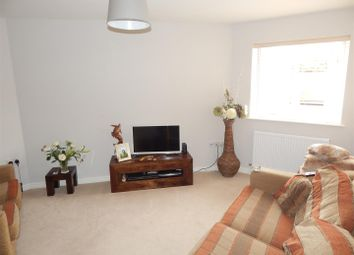 Thumbnail 2 bed flat to rent in Knights Court, St. Neots