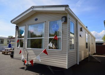 Thumbnail 2 bed mobile/park home for sale in Dymchurch Road, New Romney