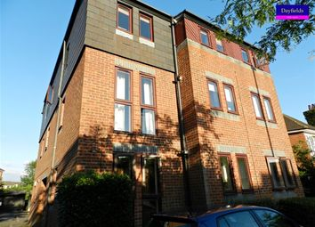 Thumbnail 2 bed flat to rent in Uplands Park Road, Enfield