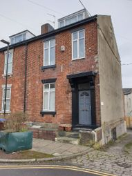 3 bed flat to rent in Travis Place, Sheffield S10