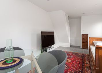 Thumbnail 1 bed flat to rent in Cressy Road, Hampstead