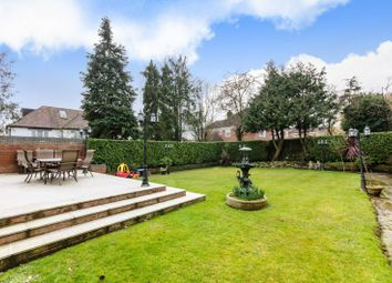 Thumbnail 5 bed property to rent in Fairholme Gardens, Finchley