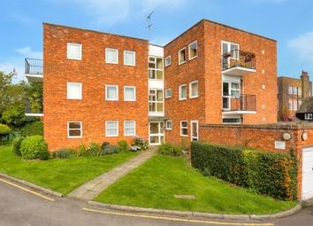 Thumbnail 2 bed flat for sale in The Priory Monks Close, Redbourn, St. Albans