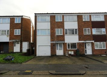 Thumbnail Studio to rent in Dunedin Way, Yeading Hayes Middlesex