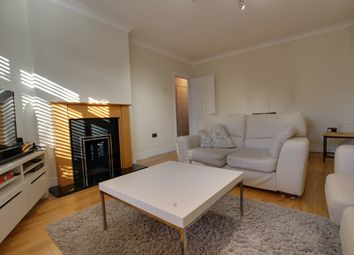 Thumbnail 1 bed flat to rent in Beckenham Grove, Bromley