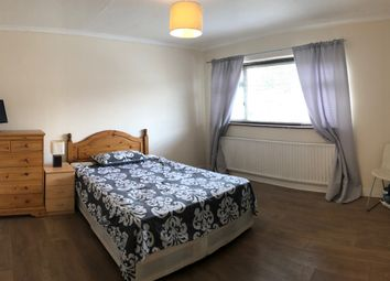 Thumbnail Room to rent in Cat Hill, Cockfosters, Barnet