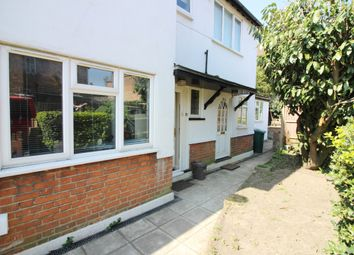 Thumbnail 2 bed flat to rent in Squires Lane, London