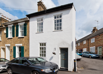 Thumbnail 2 bed cottage for sale in Wellington Terrace, London