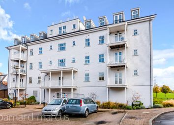 Beaumont Drive, The Hamptons, Worcester Park KT4. 2 bed flat for sale