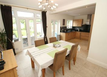 Campbell Road, Sale M33