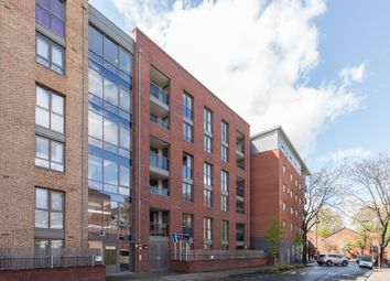 Thumbnail 3 bed flat for sale in Silwood Street, London