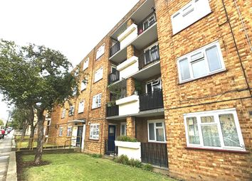 Thumbnail 3 bedroom flat for sale in Boyton Road, Hornsey