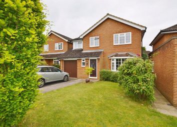 Thumbnail 4 bed detached house to rent in Phillips Close, Godalming