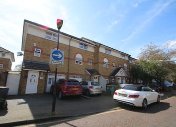 Thumbnail Room to rent in Hallywell Cresent, Beckton