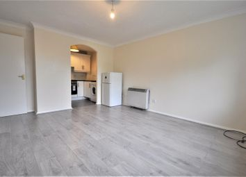 Thumbnail 1 bed flat to rent in St. Albans Road, Garston, Watford