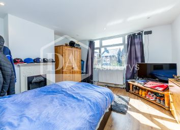 Thumbnail 1 bedroom flat to rent in Wetherill Road, Muswell Hill, London