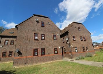 1 bed flat for sale in Brock Gardens, Reading, Berkshire RG30