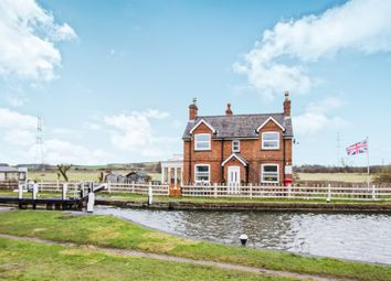 Thumbnail 2 bed detached house for sale in Canal Bank, Loughborough
