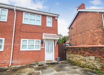 3 bed property to rent in High Street, Bagillt CH6