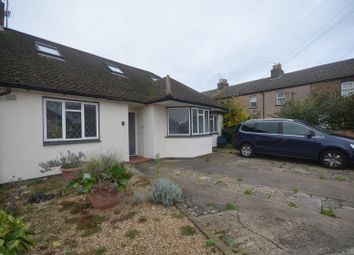 3 bed bungalow to rent in Meriden Close, Ilford IG6