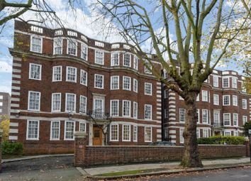 Thumbnail 3 bed flat for sale in Avenue Lodge, London