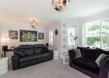 Thumbnail 2 bed flat to rent in Penners Gardens, Surbiton