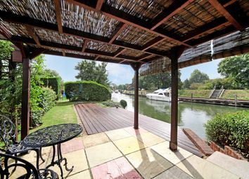 Thumbnail 1 bed bungalow to rent in Ham Island, Old Windsor, Windsor