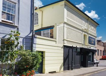 3 bed maisonette to rent in Gloucester Mews, Gloucester Road, Brighton BN1