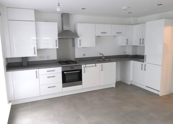 2 bed flat to rent in Holland Street, Manchester M40