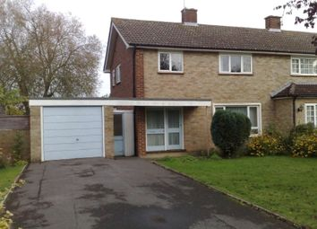4 bed property to rent in Hunts Close, Guildford, Surrey GU2