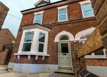 Thumbnail 2 bed flat to rent in Wenlock Street, Luton