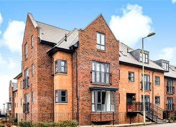 Carter Court, Hook RG27. 2 bed flat for sale