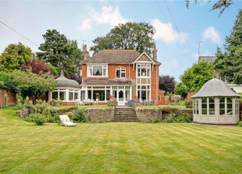 Thumbnail 5 bedroom detached house for sale in Westlecot Road, Swindon, Wiltshire