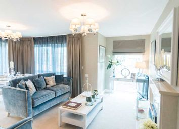 Thumbnail 2 bedroom flat for sale in Norwood Court, The Broadway, Amersham
