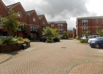 Thumbnail 1 bed flat to rent in Wellowgate Mews, Grimsby, Lincolnshire