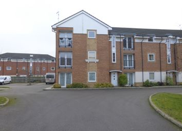 Thumbnail 2 bedroom flat for sale in Chequers Field, Welwyn Garden City