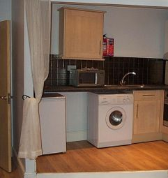 1 bed property to rent in Flat 2, 40 Hyde Terrace, City Centre LS2