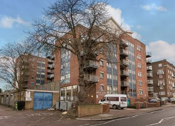 Donnington Road, London NW10. 2 bed flat