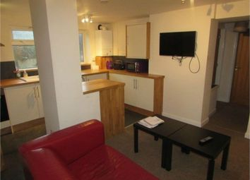 Thumbnail 3 bed flat to rent in Binswood Street, Leamington Spa, Warwickshire