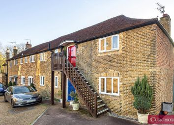 Thamesfield Mews, Russell Road, Shepperton TW17. 2 bed maisonette for sale