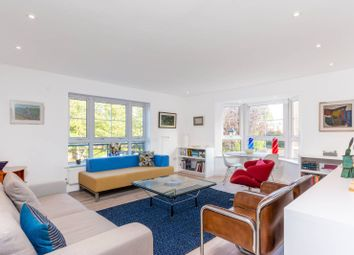 Thumbnail 2 bed flat for sale in Gwynne Close, Chiswick