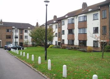 Thumbnail 2 bed flat to rent in The Lindens, North Finchley